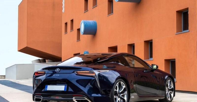 Lexus'dan sanatçılara özel: Lexus Creates