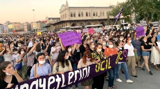 Beşiktaş ve Kadıköy'de kadınlardan Pınar Gültekin eylemi! Ünlü isimler de destek verdi
