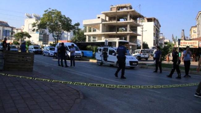 Cenazeye katılmama nedeniyle aralarında husumet bulunan aileler birbirine girdi: 1 ölü, 5 yaralı