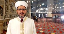 Darbe gecesinde selaları susturmak isteyen kişiye engel olan imam, yaşadıklarını anlattı