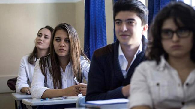 Devamsızlıktan kalan lise son sınıf öğrencilerine mezuniyet müjdesi