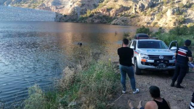 Gölete giren çocuğunu kurtarmak isteyen anne boğuldu, kızın cansız bedeni saatler sonra bulundu