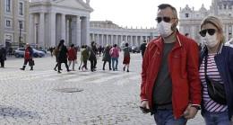 İkinci dalga paniği yaşayan İspanya'da tehlike çanları çalıyor! 2 günde 270 bin kişi karantinaya alındı