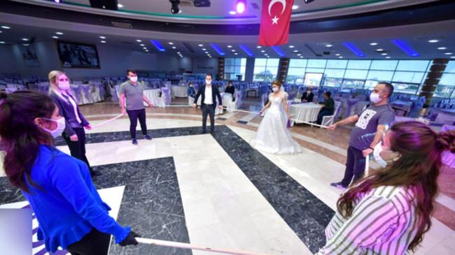 Yeni koronavirüs tedbiri! Düğün ve nişan törenlerinde 'gözlemci' bulundurulacak